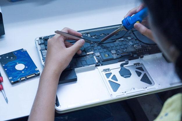 macbook repair center